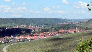 Blick vom Panoramahöhenweg nach Sommerhausen