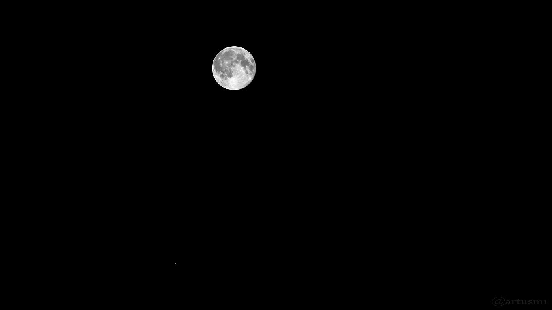Mond und Saturn am 10. Juni 2017 um 01:37 Uhr