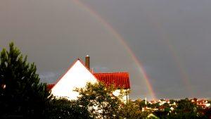 Regenbogen während Gewitter am 6. Juli 2017 um 20:43 Uhr