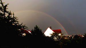 Regenbogen während Gewitter am 6. Juli 2017 um 20:44 Uhr