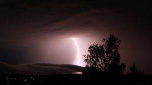 Erdblitze während Gewitter am 7. Juli 2017 um 00:04 Uhr