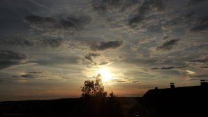 Sonne mit Nebensonnen am 15. Juli 2017 um 20:32 Uhr