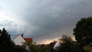 Gewitterwolken über Eisingen Richtung Süden - 19. Juli 2017 um 19:54 Uhr