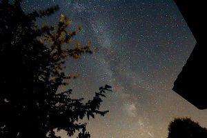 Die Milchstraße am 21. Juli 2017 um 02:06 Uhr über Eisingen