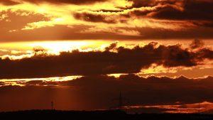 Sonnenuntergang am 9. September 2017 um 19:33 Uhr hinter Wolken
