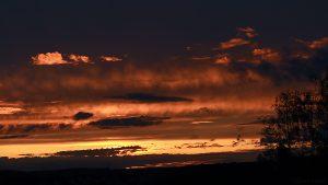 Sonnenuntergang am 9. September 2017 um 19:40 Uhr hinter Wolken