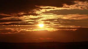 Untergehende Sonne am 19. September 2017 um 19:05 Uhr