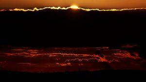 Untergehende Sonne am 3. Oktober 2017 um 18:35 Uhr