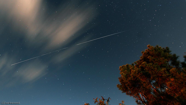 Strichspur der Internationalen Raumstation (ISS) am 3. Oktober 2017 von 20:49 bis 20:50 Uhr