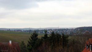 Blick von Eisingen nach Waldbrunn am 5. Dezember 2017 um 12:02 Uhr