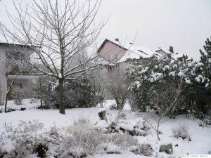 Winter mit sehr viel Schnee in Eisingen am 4. Dezember 2010