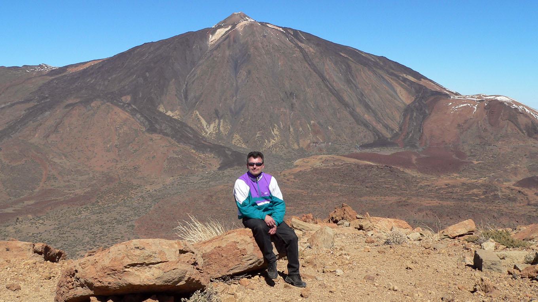 Artur Schmitt auf dem Guajara mit Blick auf den Teide