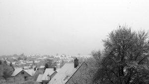 Neuschnee in Eisingen am 4. Februar 2018 um 10:07 Uhr - Schneefall bei +3 °C
