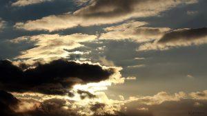 Sonne hinter Wolken am 12. Februar 2018 um 16:39 Uhr