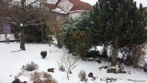Unser schneebedeckter Garten am 20. März 2018 um 15:43 Uhr
