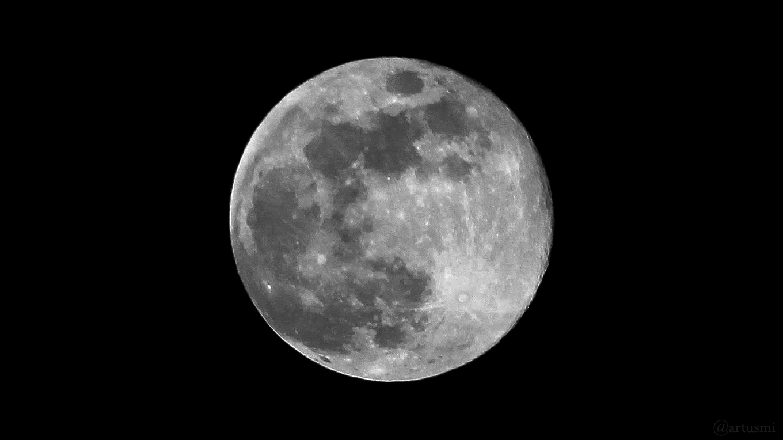 Frühlingsvollmond - zweiter Vollmond im März (Blue Moon) am Karsamstag, 31. März 2018 um 21:34 Uhr