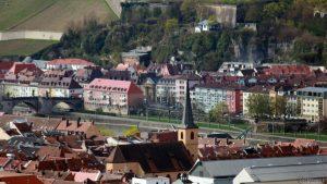 Würzburg: Alte Mainbrücke und St. Gertraud in der Pleich