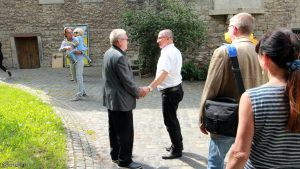 Erbachshof Art Project - Herbert Mehler begrüßt seine Gäste