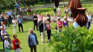 Erbachshof Art Project - Gäste während der Eröffnungsfeierlichkeiten