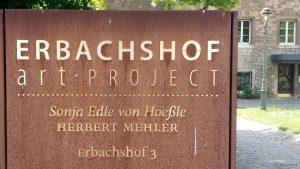 Erbachshof Art Project - Tafel am Eingang zum Erbachshof Art Project