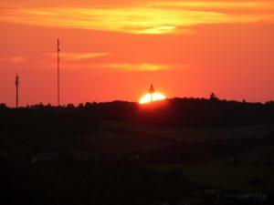 Sonnenuntergang an der Frankenwarte in Würzburg am Main