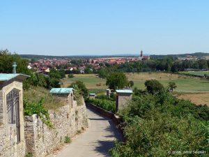 Kreuzweg Maria im Weingarten mit Blick auf Volkach am Main