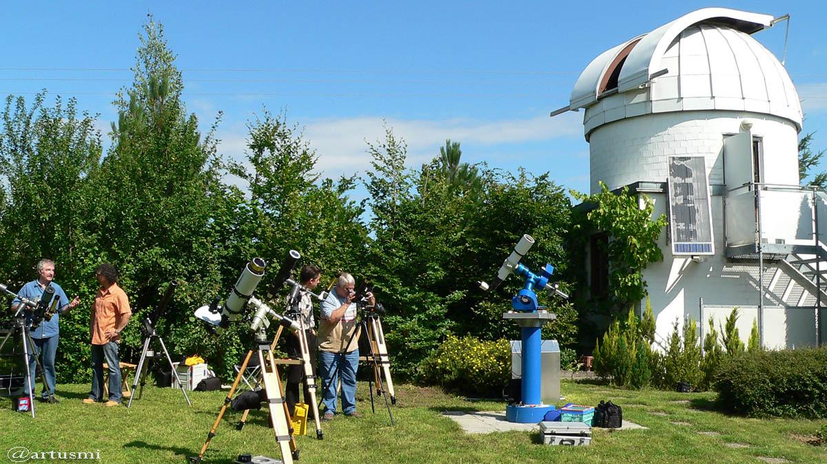 Neues DLR-Forschungsobservatorium geht erdnahen Satelliten und Weltraumschrott auf die Spur