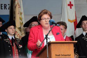 Landtagspräsidentin Barbara Stamm beim Tag der Franken am 6. Juli 2014 in Ochsenfurt im Lkr. Würzburg