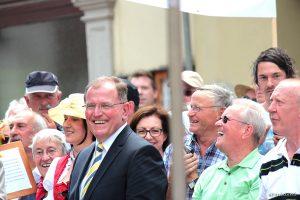 Bezirkstagspräsident Erwin Dotzel beim Tag der Franken am 6. Juli 2014 in Ochsenfurt im Lkr. Würzburg