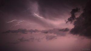 Wolkenblitze am 18. Juli 2015 um 01:41 Uhr