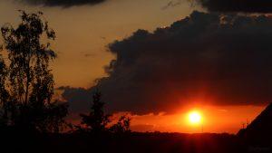 Untergehende Sonne am 2. Juni 2018 um 21:07 Uhr