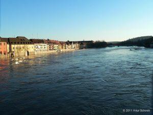 Hochwasser am 16.01.2011 in Würzburg. Der Main in Höhe Oberer Mainkai.
