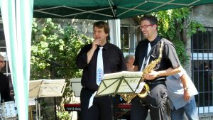 Jazzfrühschoppen mit den DIXIE HEARTBREAKERS in der Parkanlage im Weiler Erbachshof
