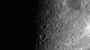 Krater unterhalb Mare Nectaris am 19. Juli 2018 um 21:33 Uhr