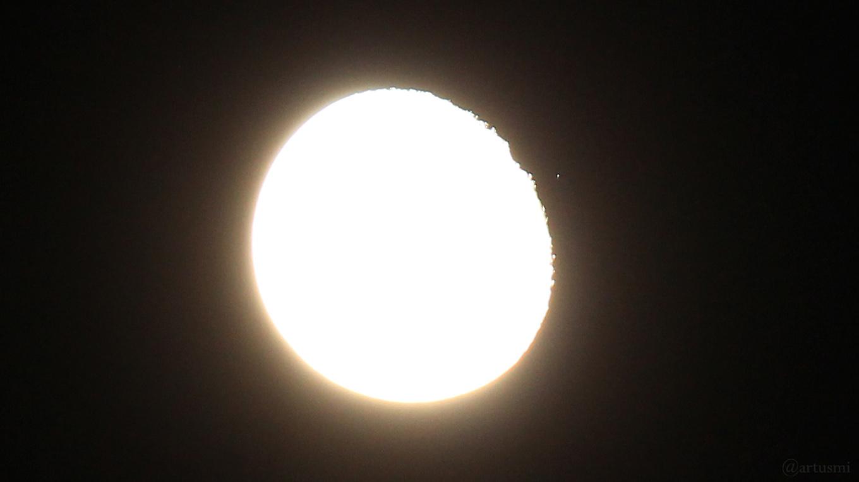 Abnehmender Mond bedeckt den Stern ξ2 Ceti