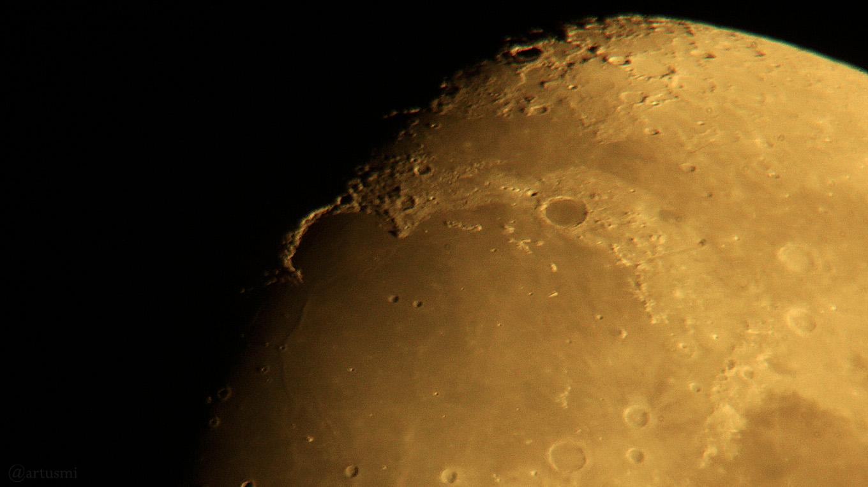 Goldener Henkel am 19. Oktober 2018 um 20:07 Uhr am zunehmenden Mond