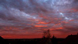 Morgenrot am 12. November 2018 um 07:29 Uhr Richtung Westnordwest