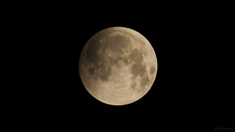 Halbschattenfinsternis während der totalen Mondfinsternis am 21. Januar 2019 um 04:22 Uhr