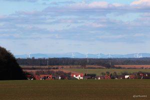 Blick nach Waldbüttelbrunn bis in die Vorderrhön