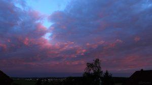 Westhimmel bei Sonnenaufgang am 26. April 2019 um 06:06 Uhr