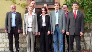 Neue Bürgermeister(innen) und Gemeinderäte am 6. Mai 2008. Von links nach rechts: Karl Kiesel, Anni Pfeffer (3. Bürgermeisterin), Meinolf Rost, Ursula Engert (1. Bürgermeisterin), Ferdinand Schiller, Eberhard Blenk (2. Bürgermeister), Christian Ank und Georg Bausewein.