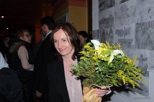 Bürgermeisterin Ursula Engert im Schulhaus Eisingen.