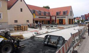 Baufortschritt am Place Bernières-sur-Mer