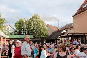 Backhäuslesfest am 27. Juni 2014 erstmals auf dem neugestalteten Place Bernières-sur-Mer
