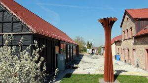 Neuer Pfarrsaal und Skulptur von Herbert Mehler am 18. April 2018