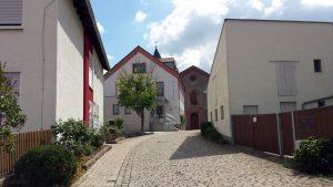 Anfahrt Rathaus Eisingen und St. Nikolauskirche