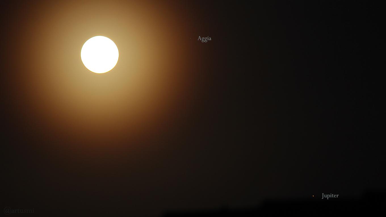 Mond, Aggia und Jupiter am 17. Juni 2019 um 04:14 Uhr