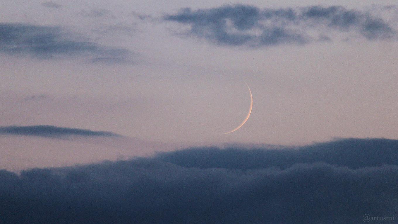 Schmale Mondsichel am 2. August 2019 erstmals nach Neumond