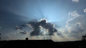 Wolkenstrahlen am 27. August 2019 um 17:09 Uhr