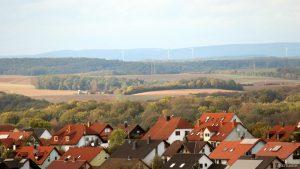 Blick über Eisingen zur Hans-Haffner-Sternwarte am 11. Oktober 2019
